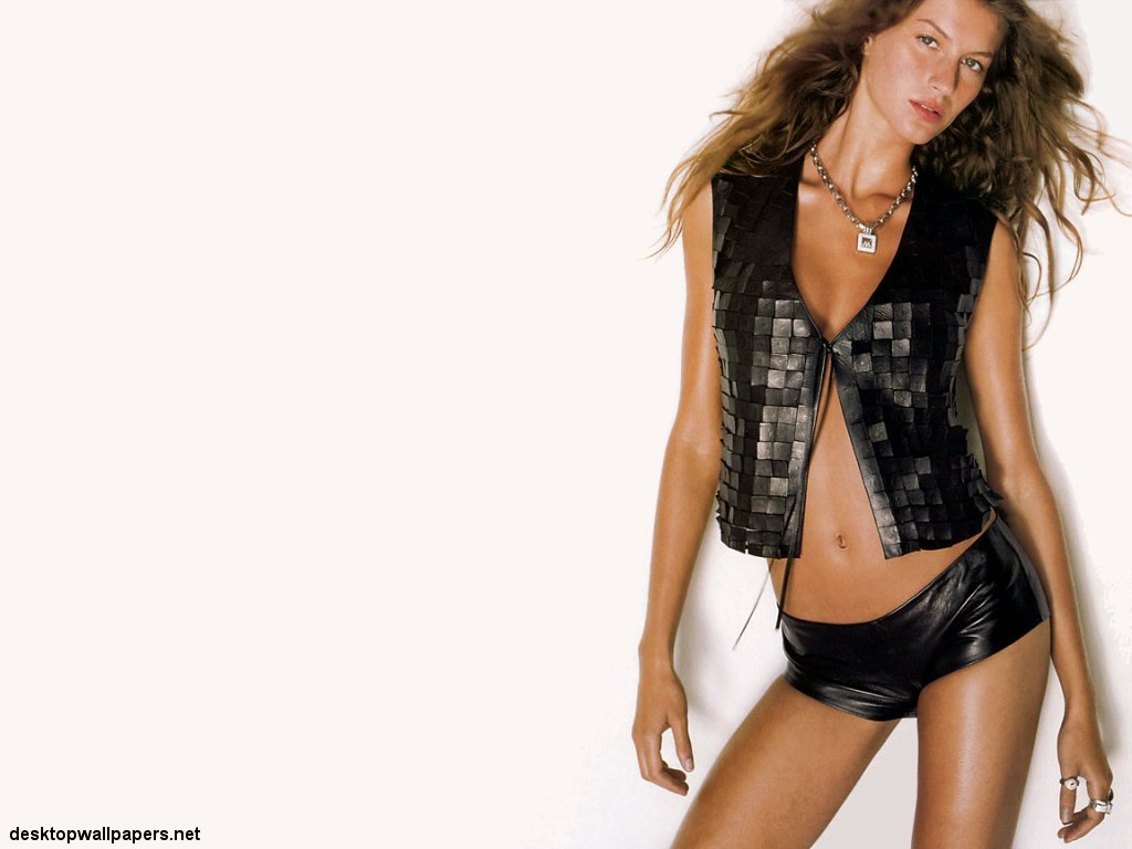 Gisele Bundchen At Desktopwallpapers Net